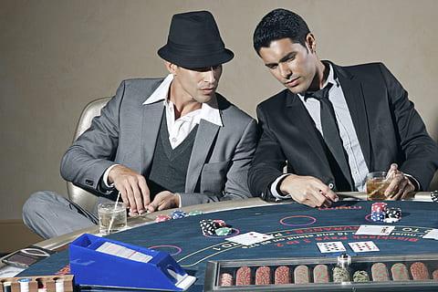 Cassino poker bet 37652